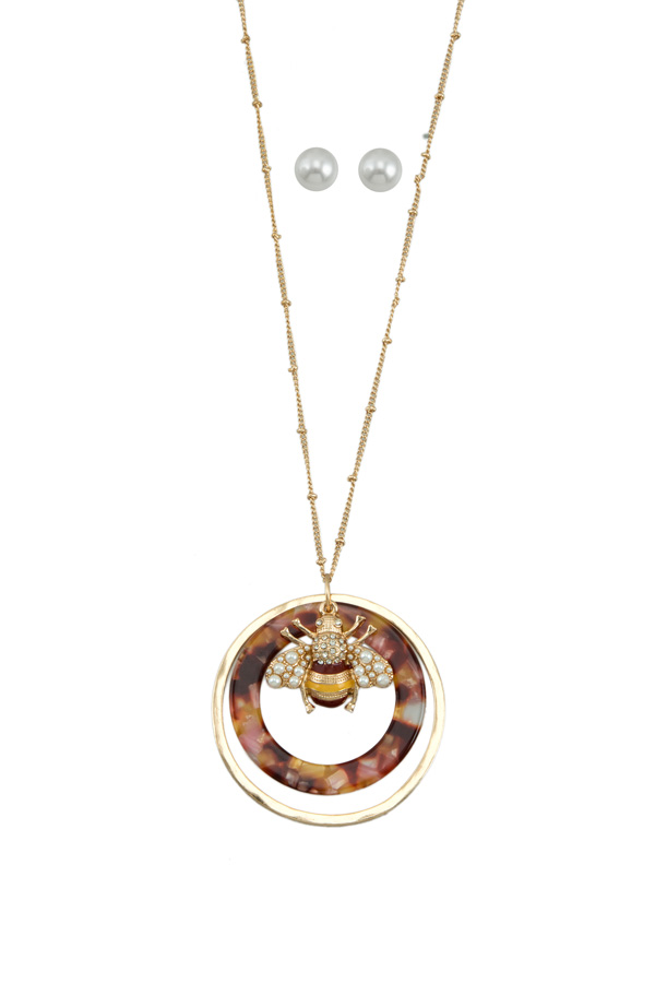 Tortoise Circle with Little Bee Long Necklace