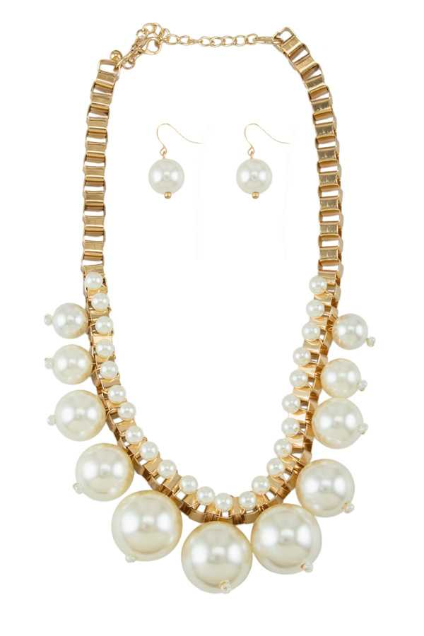 Pearl Ball Decorated Chain Linked Necklace