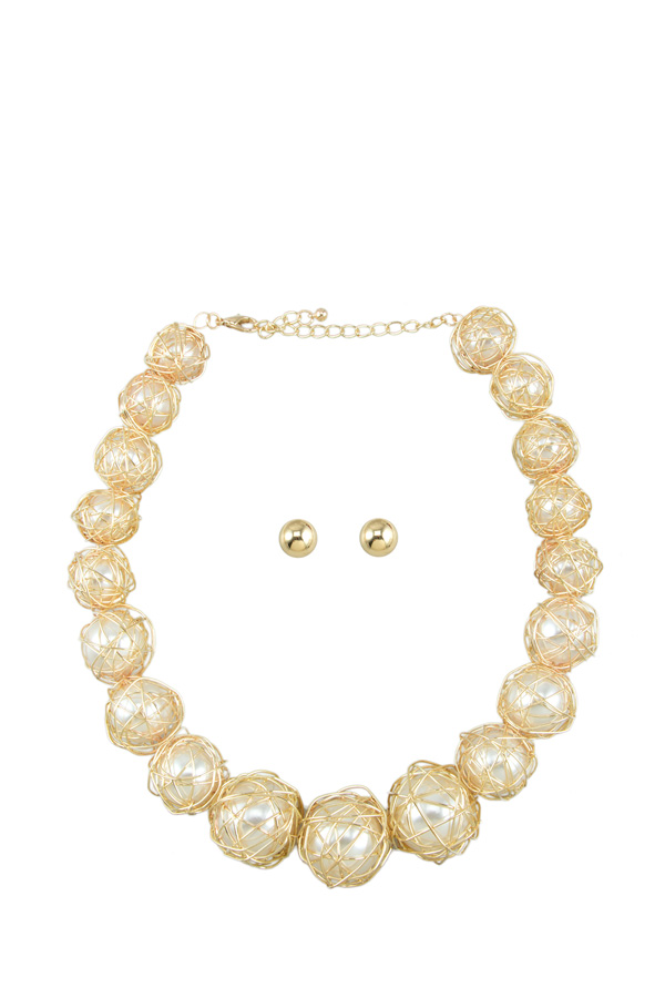 Wired Pearl Ball Necklace