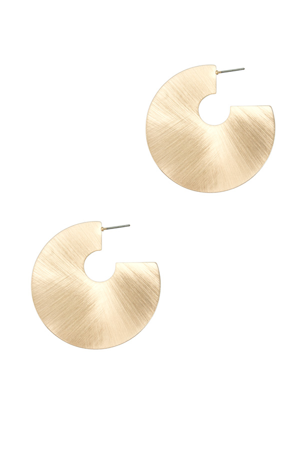 Round Shape Surface Accent Earring