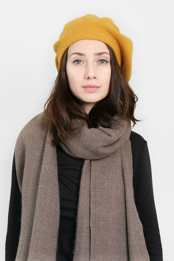 Soft solid wool beret