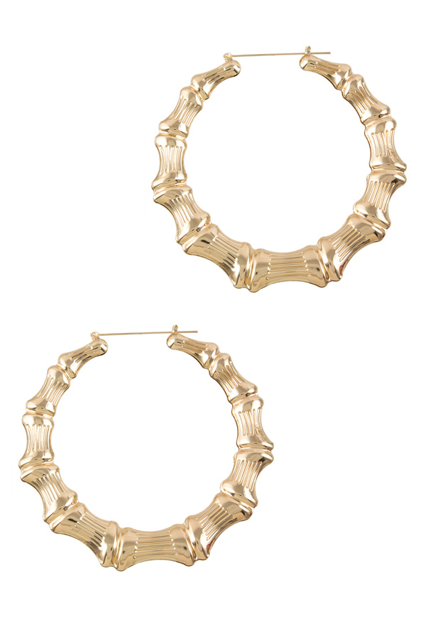 Bold textured hoop earrings
